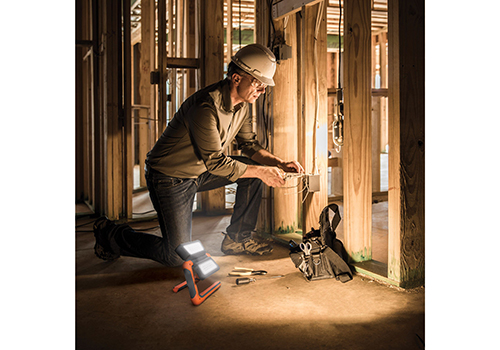 1panel_worklight_construction_lifestyle_getty-1079093412